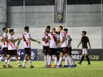 Independiente del Valle y River Plate irán por el título