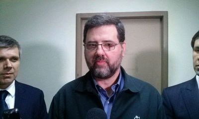 Confirman condena de 3 años para ex ministro de Educación