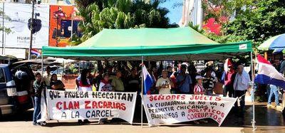 Esteños se manifiestan para exigir la prisión del senador Javier Zacarías