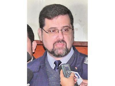 Ratifican condena al ex ministro Luis Riart por  lesión de confianza