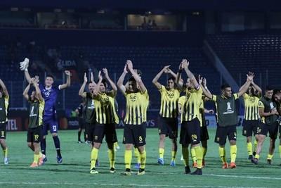 Guaraní superó a Palestino 2-1 y pasó a la ronda principal de la Libertadores