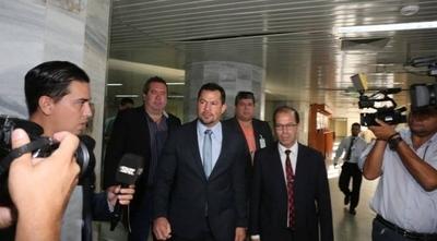 HOY / Suspenden audiencia de Quintana porque su abogado no puede presentarse