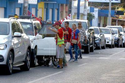 Mediante amparo prohiben a cuidacoches manifestarse y cerrar calles