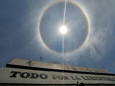 Un Halo Solar adorna nuestro cielo