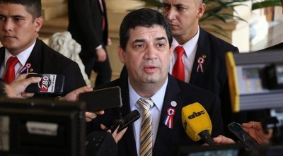 Velázquez busca culpables por la derrota de la ANR