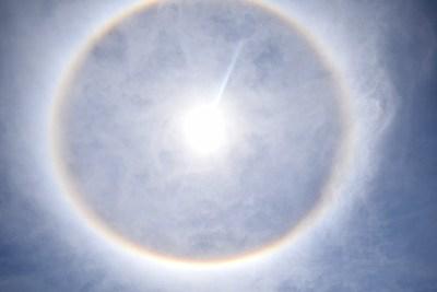 Halo solar decora el cielo paraguayo