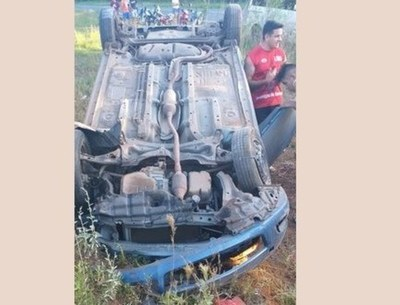Policía en estado de ebriedad embiste a moto con tres ocupantes: fallece una mujer y sobreviven un hombre y una niña de seis años