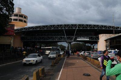 Suba del dólar espanta a los turistas brasileños