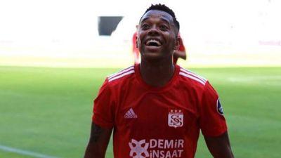 ¿Robinho vuelve al Santos?