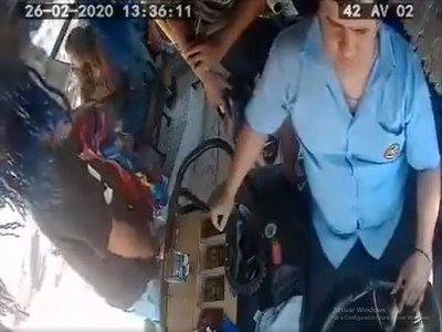 Desvinculan a chofer que avaló asalto en su colectivo y pidió parte de lo robado