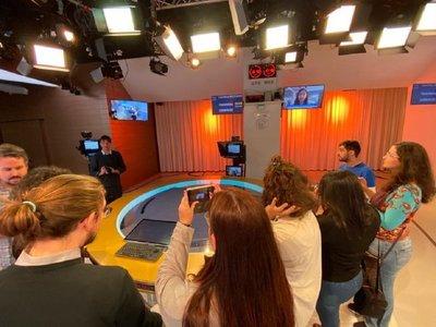 Seleccionan a periodista paraguaya para trabajar en agencia alemana