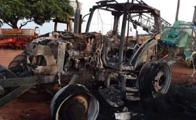 """Tractor es incinerado en """"zona del EPP"""""""