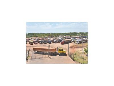 Camioneros varados exigen pagos a los exportadores de soja