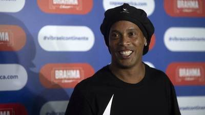 """Ronaldinho llegará al país para presentar """"Móvil de salud de las niñas y niños"""""""