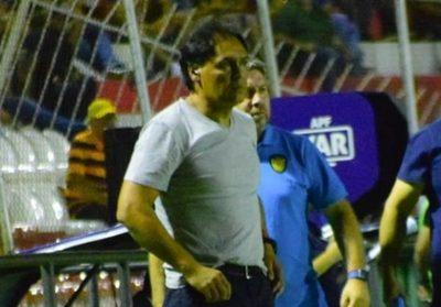 Tras goleada, Luqueño se queda sin técnico