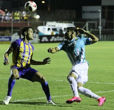 Guaraní derrota a Luqueño, lo deja sin entrenador y se acerca a la cima