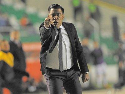 Un paraguayo trabajará con Farías en la selección de Bolivia