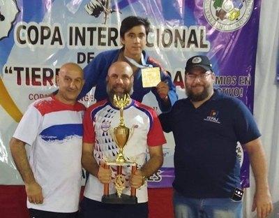 Judocas paraguayos se cuelgan 20 preseas en Argentina