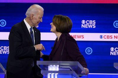 Biden acumula buenas noticias antes de crucial votación
