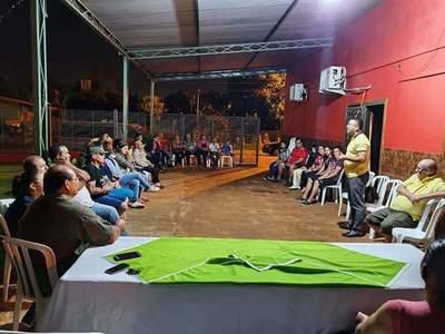 Suman funcionarios municipales que buscan la concejalía y ya piden votos en los barrios