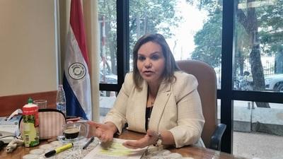 """Senadora afirma que Ley de Financiamiento Político aprobado es sólo un """"parche"""""""
