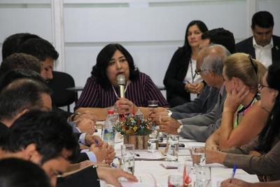 Ministerio convoca a instituciones a aunar esfuerzos a favor de niñez indígena