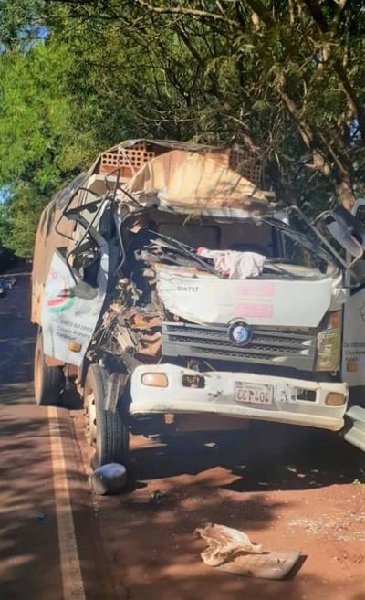 Choque entre CAMIONES deja un herido en Alto Paraná