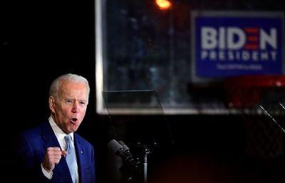 """Biden revive en el """"supermartes"""" y arrebata el liderato a Sanders"""