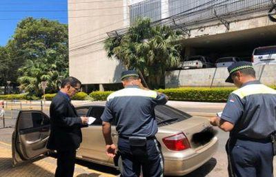 """PMT coloca cepo al vehículo de un juez: """"No hay excepciones"""", dice inspectora"""