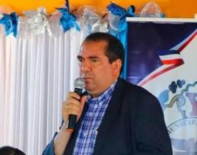 Cansado de mentiras, «cantó las 40» al gobernador