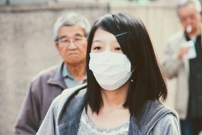 Coronavirus golpea fuerte a Tesla, Renault y BMW en China