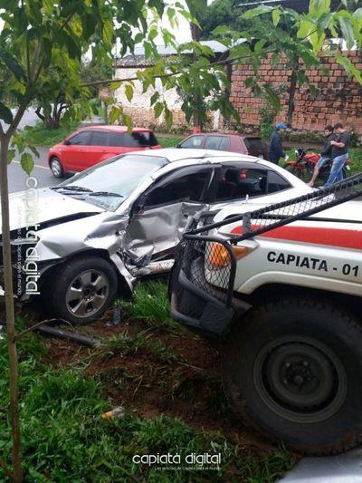 Ambulancia de la Cruz Roja involucrada en choque
