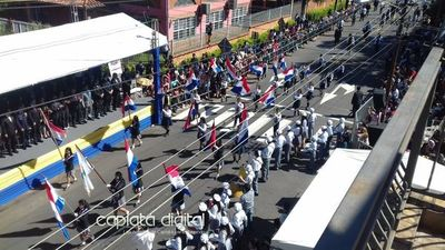 Celebran la independencia con desfile en Capiatá