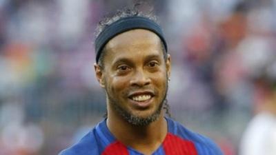 Fiscal asegura que el pasaporte de Ronaldinho pertenece a otra persona