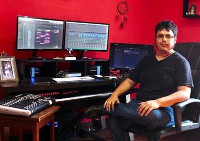 Joven artista se abre camino en la composición musical para metrajes