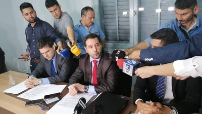 HOY / Fundación niega haber dado documentos falsos a Ronaldinho