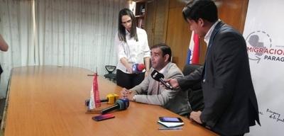 HOY / Alexis Penayo, titular de la Dirección General de Migraciones, presenta su renuncia por no falta de apoyo y respaldo hacia la institución, tras el caso de Ronaldinho