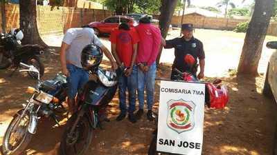 Cae gavilla especializada en robar biciclos y recuperan dos motocicletas