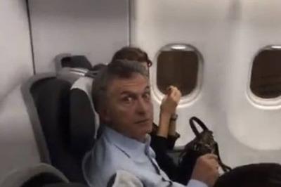"""Macri escrachado en un avión: """"Ladrón, arruinaste el país"""""""