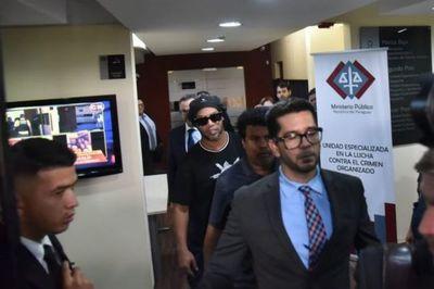 Tres imputados en el caso de Ronaldinho