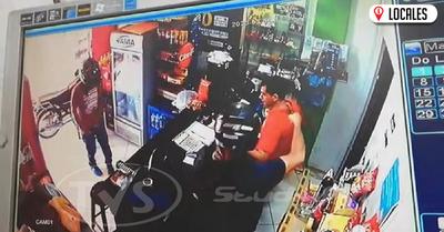 A punta de arma de fuego malvivientes se llevaron millonario botín de un local comercial