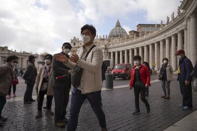 Vaticano confirma primer caso de virus dentro de sus muros