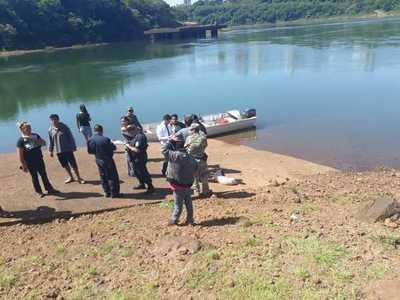 Hallan cuerpo de un hombre en las aguas del río Paraná
