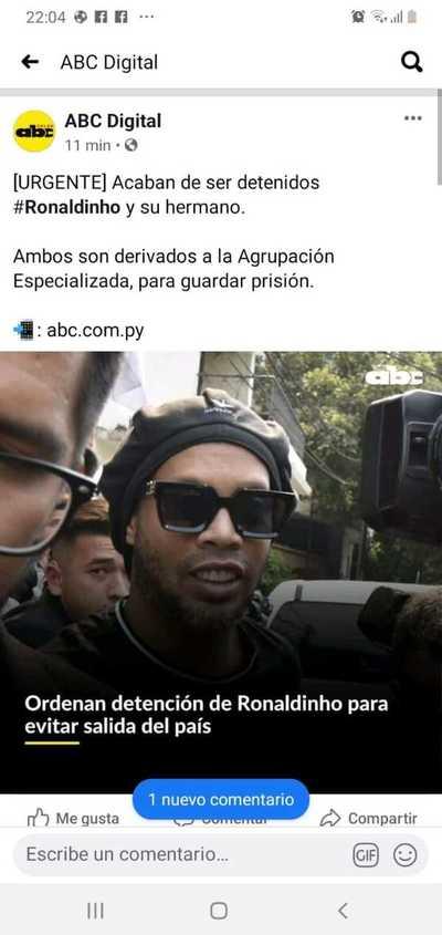 Detienen a Ronaldinho por orden fiscal