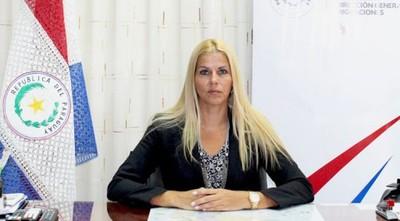 Una mujer para intentar lavar la cara a Migraciones, tras el escándalo Ronaldinho