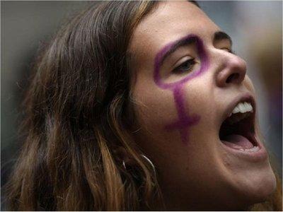 Amnistía alerta del aumento de mensajes misóginos de líderes políticos y religiosos