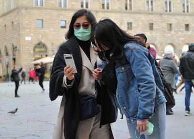 Una Italia alarmada aísla el norte del país para contener el coronavirus