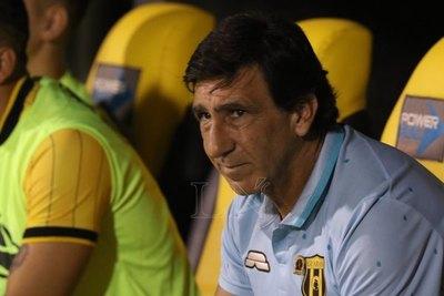 Gustavo Costas reconoció que tuvo un impasse en la previa