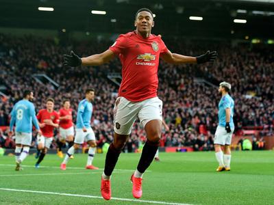 El United se queda con el derbi de Manchester