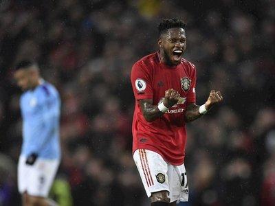 El Manchester United doblega a un frágil e insulso City